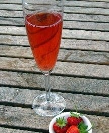 Sweet and Sour Strawberry Spritzers: Easy Shrub Recipe